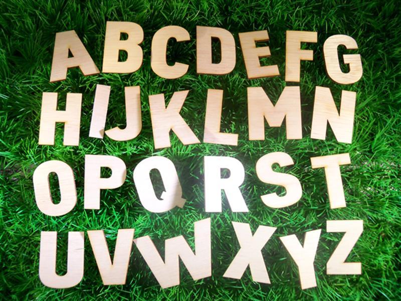 Kinderkamer Houten Letters Kinderkamer : Houten letters 20 cm ...